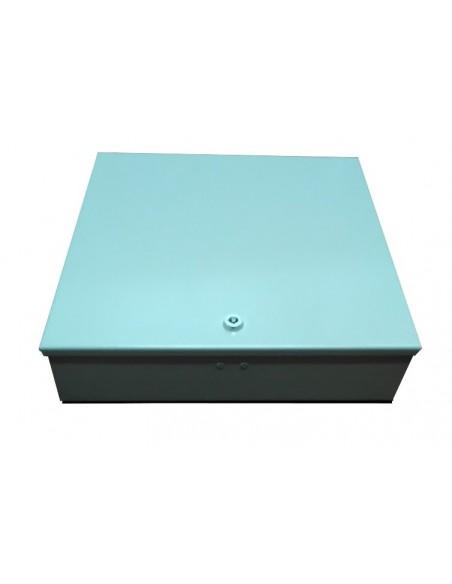 Caja metálica de fibra óptica FTTH para conectores SC. Vista caja cerrada.